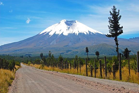 Auf der Straße der Vulkane vom Cotopaxi-Vulkan zur Quilotoa-Lagune