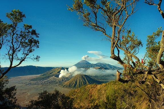 Java: Mit dem Zug nach Malang und Aufstieg zum Bromo-Vulkan