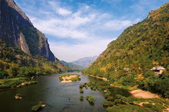 Wanderungen und Bootsfahrten rund um Nong Khiaw