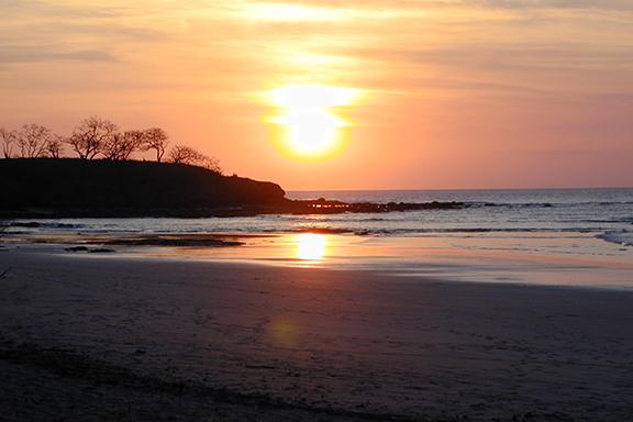Tamarindo: Baden an der Pazifikküste