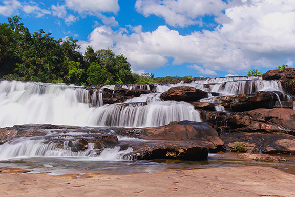 Unberührte Urwälder und Flusslandschaften in Koh Kong