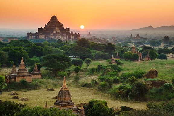 Weite Tempelfelder und prachtvolle Pagoden